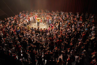Mass participatory project, Big Dance Week, David Rolland Chorégraphies. Photo: Julie Teyssou